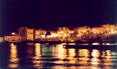 Bari, Torre a Mare di notte