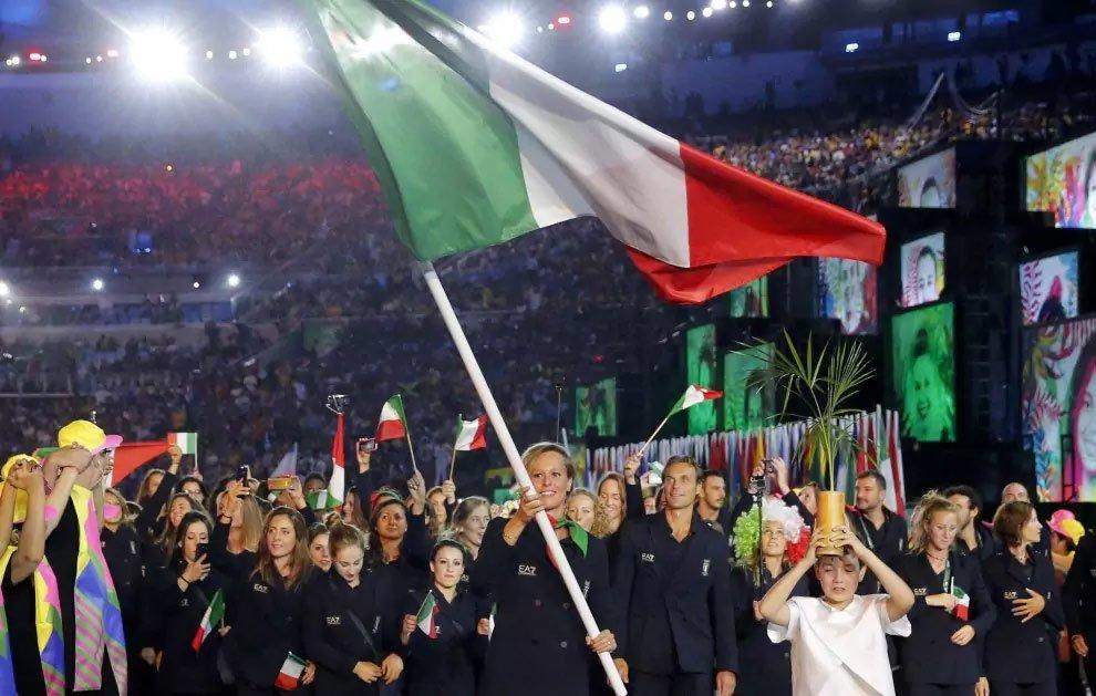 Cerimonia Olimpiadi, sfila la squadra azzurra