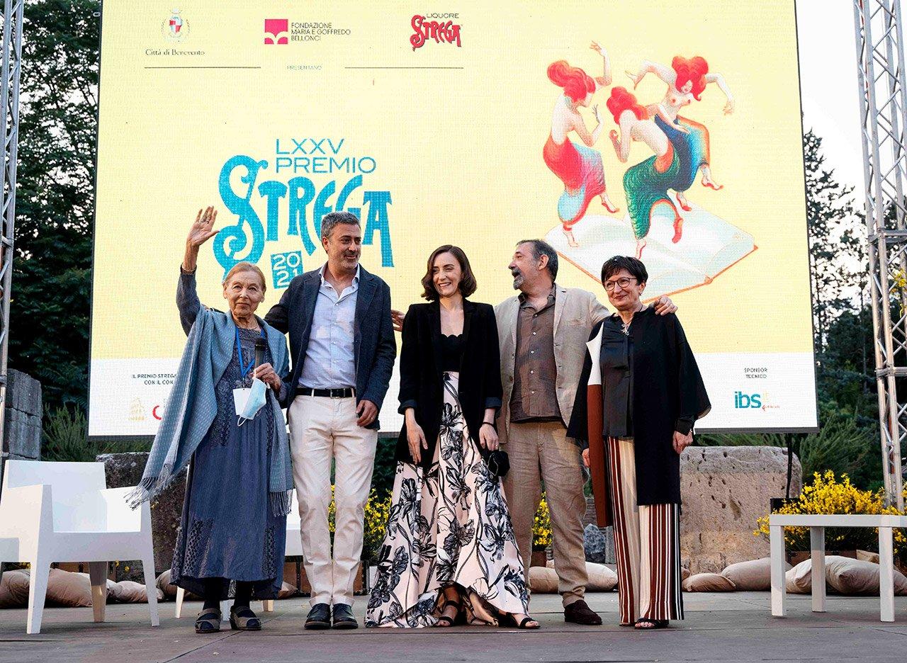 Premio Strega 2021, la cinquina dei finalisti